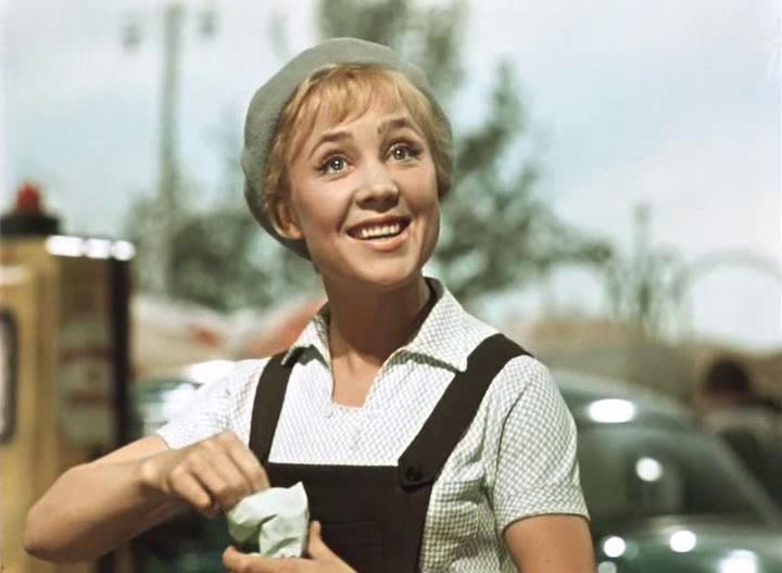 1962: королева бензоколонки (dvdrip) фильмы в формате avi.